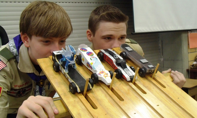 Father and son pinewood derby car