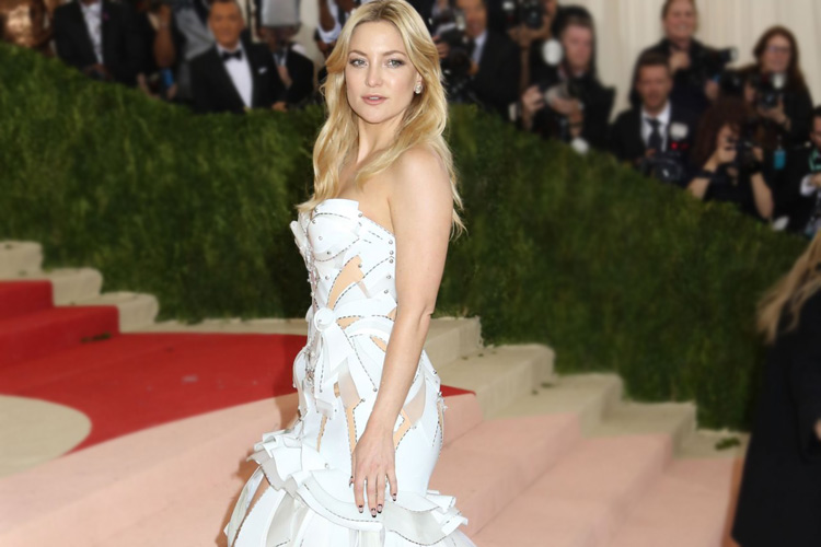 Kate Hudson 3d printed dress